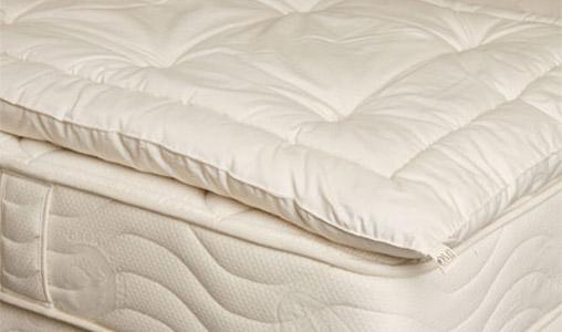 matratzenauflage topper mit wollf llung boxspringbetten. Black Bedroom Furniture Sets. Home Design Ideas